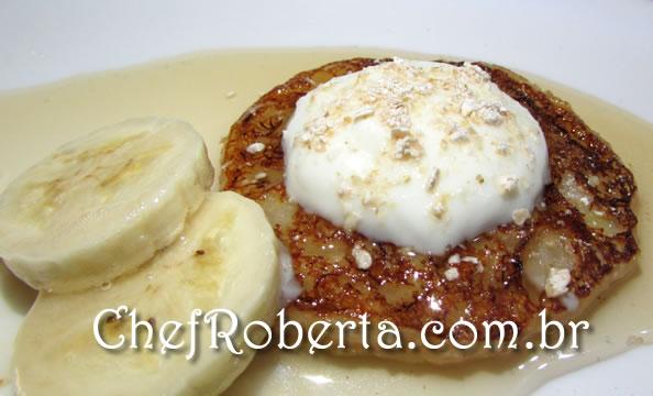 panqueca_doce_com_aveia_mel_banana_iogurte
